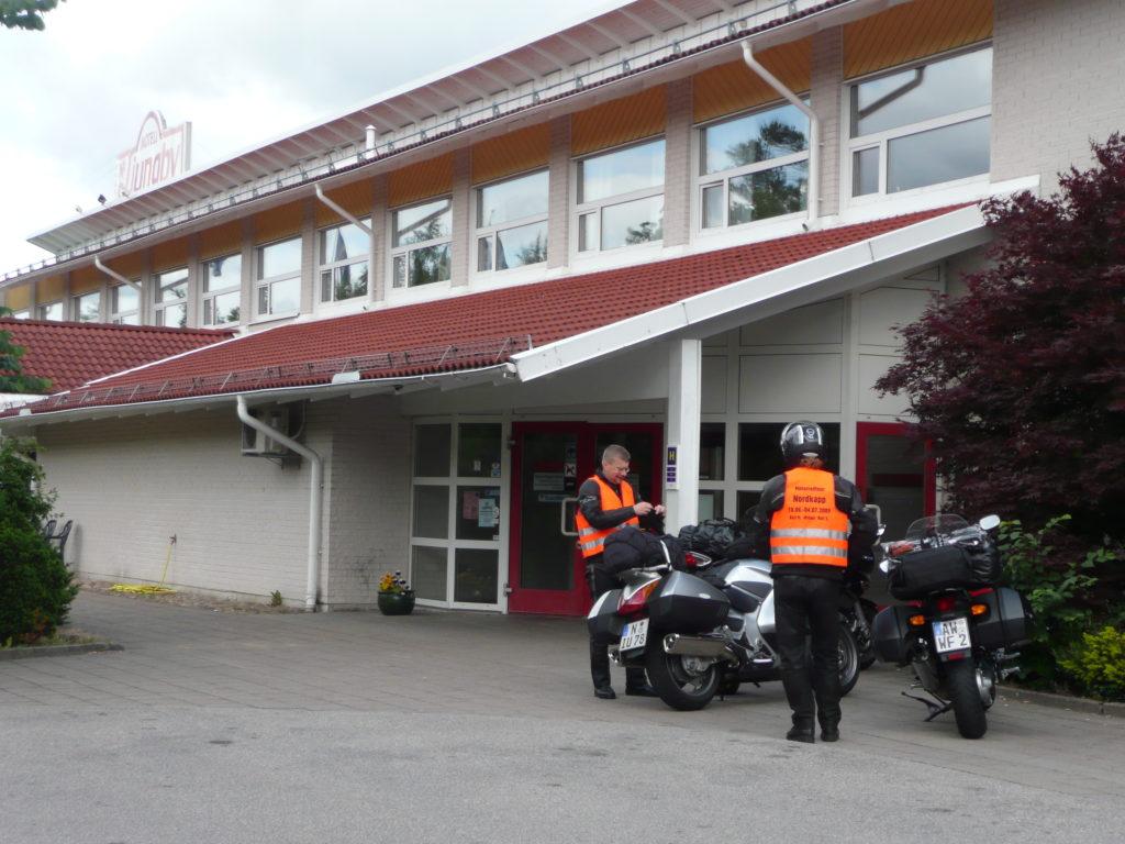 12 Motel